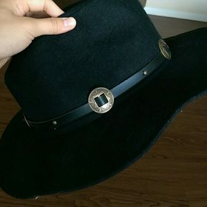 Black hat bought from Buckle